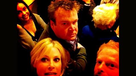 ht modern family elevator jessie tyler ferguson jt 130302 wblog Modern Family Stars Stuck in Hotel Elevator