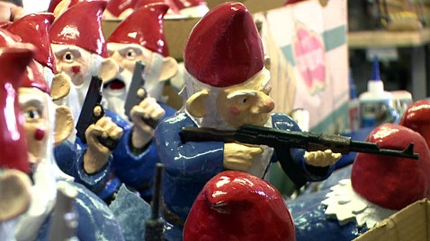 ht shaun thorsson gnomes 4 ll 121002 wblog G.I. Gnome? Creator Hand Makes Garden Gnomes in Combat Poses