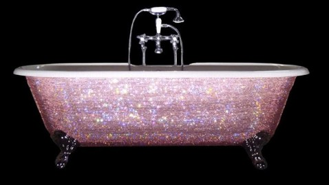 ht swarovski baby bathtub thg 111108 wblog Beyonces Baby to be Bathed in Baubles Thanks to Auntie Kelly