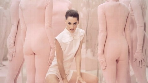 ht yelle comme un enfant4 tk 111222 wblog Yelles Comme Un Enfant Video: Something More Sweetie