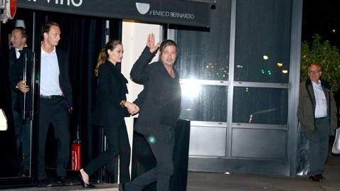 inf brad pitt angelina jolie nt 130604 wblog Inside Angelina Jolies Relaxed Birthday Celebration