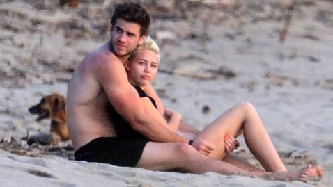 inf liam helmsworth miley cyrus jef 130121 wblog Miley Cyrus, Liam Hemsworths Romantic Getaway