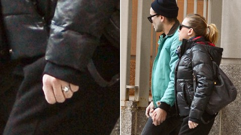 inf scarjo ring kb 130220 wblog Scarlett Johansson, Despite Ring, Not Engaged to Romain Dauriac