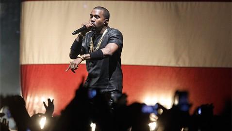 ld kanye west paris ll 120605 wblog Kanye West Goes Off on Fan With Laser Pointer at Paris Concert