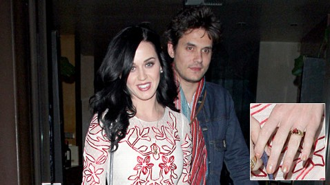 pcn katy perry john mayer heart ring lpl 130218 wblog Katy Perrys Heart Shaped Ring From John Mayer