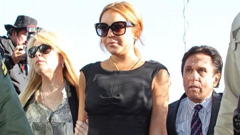 pcn lohan tk 130130 wblog Lindsay Lohan Races Back to LA