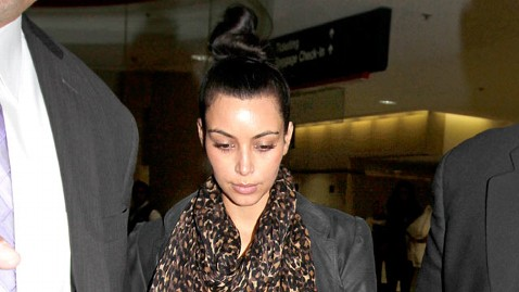 spl kim kardashian dm 111107 wblog Report: Kim Kardashian Goes to Kris Humphries Minnesota Hometown for Closure