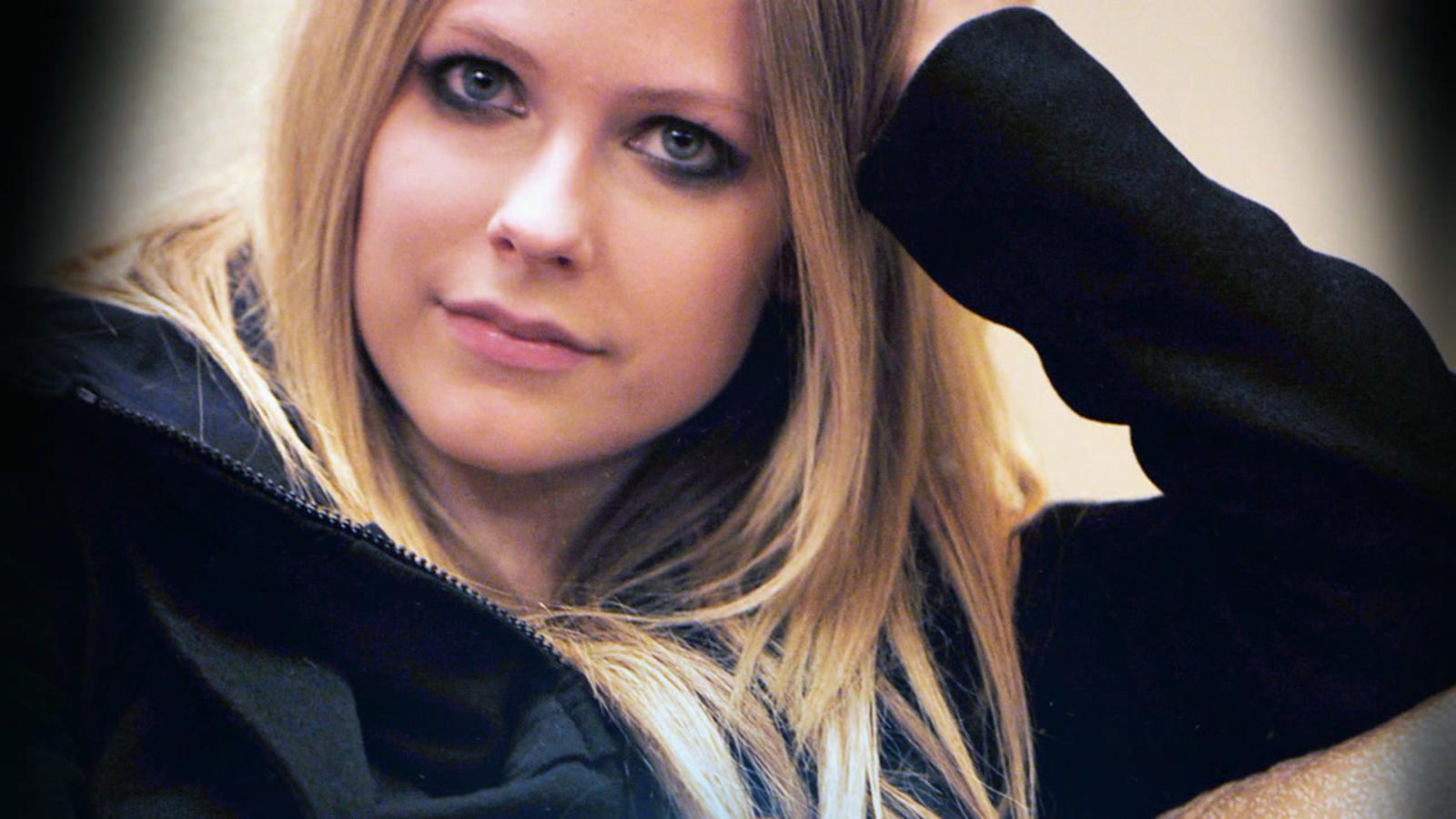 VIDEO: Avril Lavigne on How Lyme Disease Has Affected Her Life, Career