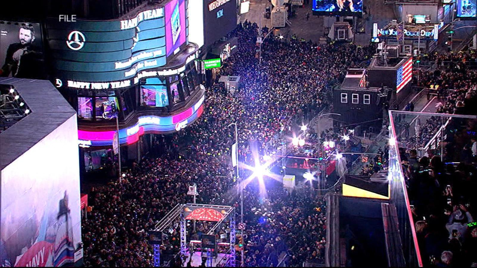 Times Square Ball Drop Videos at ABC News Video Archive at ...
