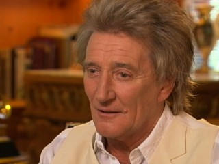 VIDEO: Rod Stewart on How He Got His Iconic Hair