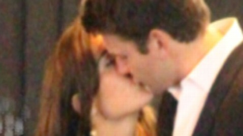 abc pippa alex kiss gma jef 111003 wblog Pippa Middletons Passionate Kiss:  Whos the Guy?