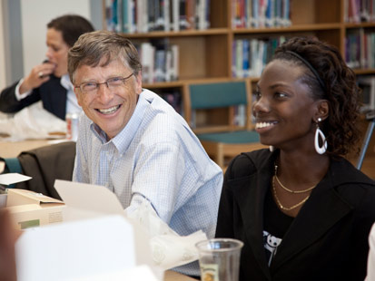 Bill Gates attends a lunch discussion with students at West Charlotte High School in Charlotte, N.C., Sept. 23, 2009. Courtesy the Gates Foundation.