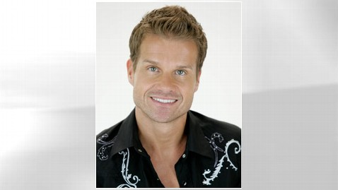 ht louis van amstel 1 nt 110919 wblog Louis Van Amstels Dancing With the Stars Dish: Week 6
