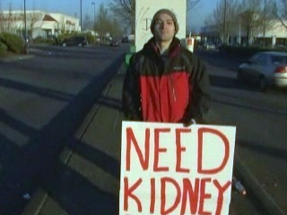 VIDEO: Earl Martinez hopes his homemade sign will soon lead to a kidney transplant.