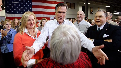 ap mitt romney greets supporter ll 111212 wblog Independent Voters on the Rise but Do They Matter?