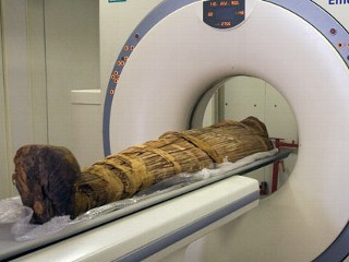 PHOTO: The mummy Hatiay is scanned in Cairo, Egypt, where it was found to have evidence of extensive vascular disease by CT scanning.