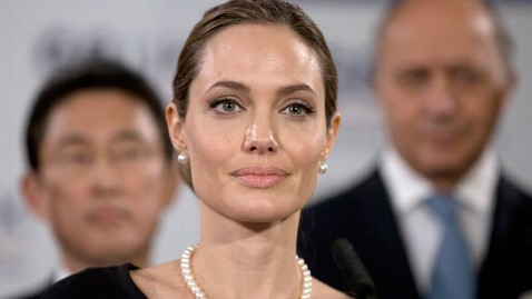 gty angelina jolie thg 130514 wblog Angelina Jolies Mastectomy: Should You Get BRCA Gene Testing?