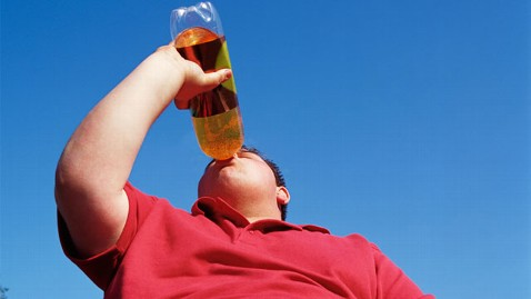 gty soda overweight nt 130424 wblog One Soda Per Day Raises Diabetes Risk, Study Suggests
