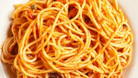 gty spaghetti kb 130606 wblog 3 Hospitalized After Hot Sauce Scheme