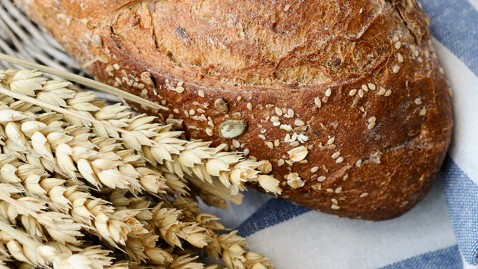 gty whole grain  bread wheat thg 120207 wblog A Guide to Decoding Ingredients on Grain Products