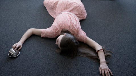 gty woman fainted nt 120229 wblog What Astronauts Have Taught Doctors About Fainting