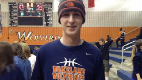 ht Justin Nicholas cancer teen thg 130222 wblog Texas School Basketball Team Rallies Around Player With Cancer