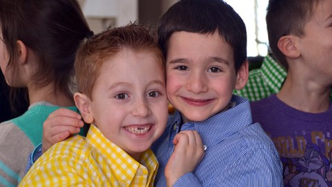 ht dylan jonah nt 130225 wblog Boy, 7, Raises More Than $30,000 for Sick Friend