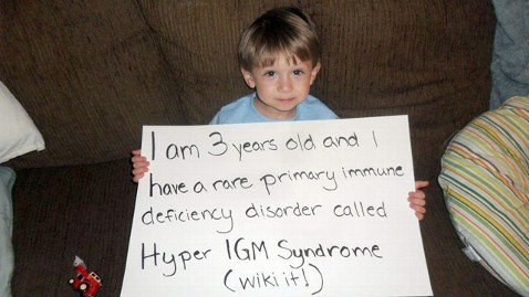 ht lucas gonzalez sign reddit thg 111206 wblog Internet Strangers Fund 3 Year Olds Bone Marrow Transplant