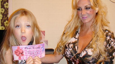 ht poppy sarah human barbie burge ll 120105 wblog Human Barbie Gives 7 Year Old Daughter Liposuction Voucher