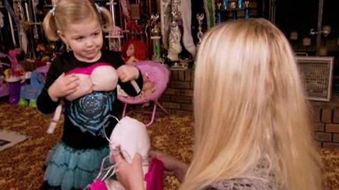 ht toddlers and tiaras 2 nt 110901 wblog Custody at Risk After Toddlers & Tiaras Star Wears Fake Boobs, Butt