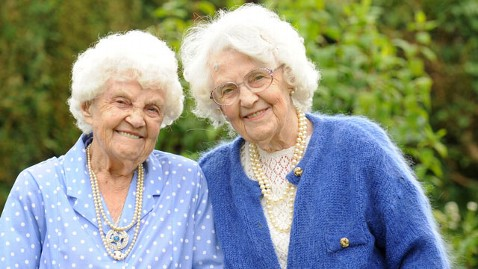 spl oldest twins ena lily tk 120104 wblog Oldest Twins in World Celebrate 102nd Birthday