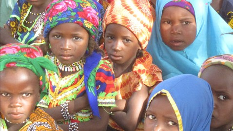 abc bazi niger students kb 120529 wblog Facing Hunger Crisis in West Africa, Families Pick Leaves, Berries to Survive