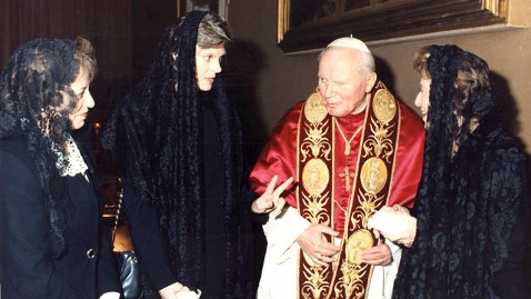 Cokie Roberts Recalls Bush Visit With Pope Benedict