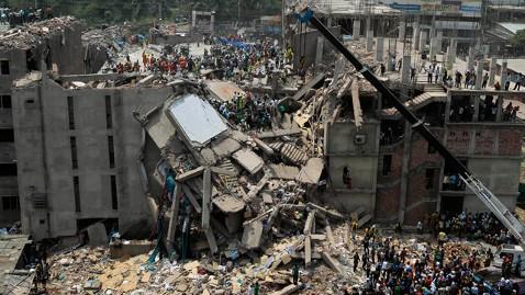 ap bangladesh factory collapse 4 jt 130427 wblog Walmart, Gap Propose Alternate Bangladesh Safety Program