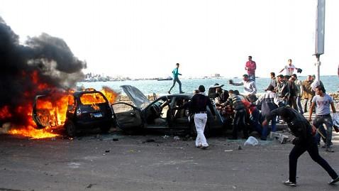 ap egypt protests 2 dm 121214 wblog Dueling Protests on Eve of Egypts Referendum Vote