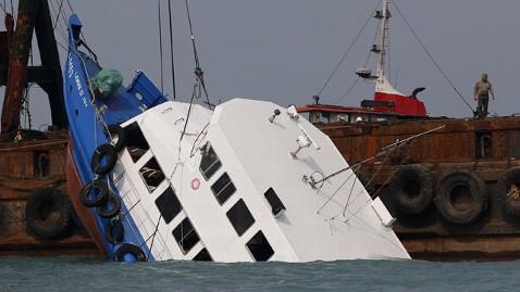 ap ferry ac 121002 wblog Hong Kong Boat Collision Kills at Least 37