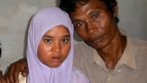 ap indonesia tsunami missing wati dm 111223 wblog Indonesian Girl, Thought Dead in 04 Tsunami, Finds Her Way Back Home