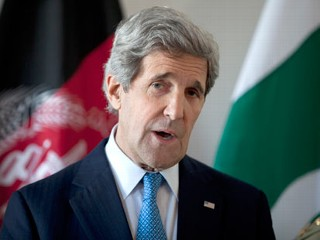 PHOTO: U.S. Secretary of State John Kerry delivers a statement after a meeting with Afghan President Hamid Karzai and Pakistani Army Chief Gen. Asfhaq Parvez Kayani, April 24, 2013, in Brussels, ...
