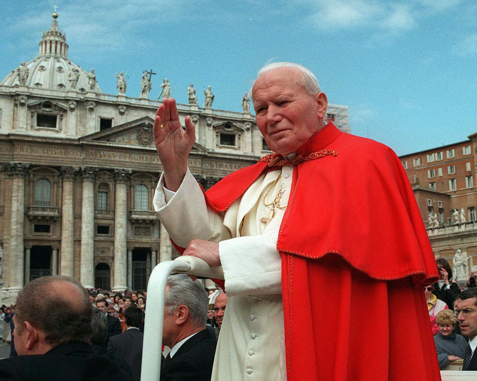 ap john paul ii mi 130705 Dogs Sniff for Late Popes Stolen Blood