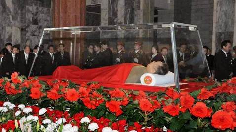 ap kim jong il body jef 111220 wblog Body of Kim Jong Il Is Viewed By NKorea Officials