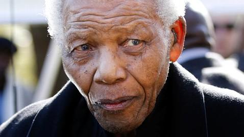 ap nelson mandela dm 121226 wblog Nelson Mandela Returns Home from Hospital