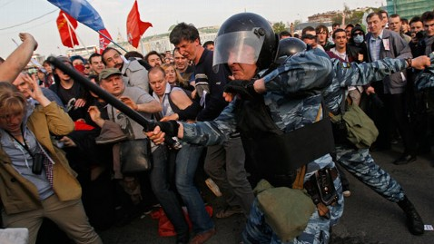 ap russia protest jt 120506 wblog Anti Putin Protesters Clash with Riot Police in Largest Rally Since December