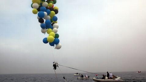 ap south african balloonist 01 jef 130408 wblog Balloon Man Floats From Mandela Jail to Mainland SA