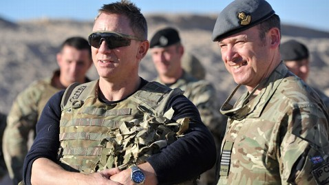 epa daniel craig camp bastion afghanistan jt 121118 wblog Instant Index: Chris Christie on SNL, Sandys Silent Victims Get Help, 007 Visits Troops in Afghanistan