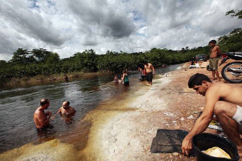 gty belo monte dam displaced river thg 120618 wblog Brazils Belo Monte Dam to Displace Thousands in Amazon
