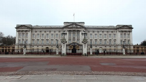 gty buckingham palace nt 120523 wblog Fancy a Job With Queen Elizabeth II? Vacancy Listed at Buckingham Palace