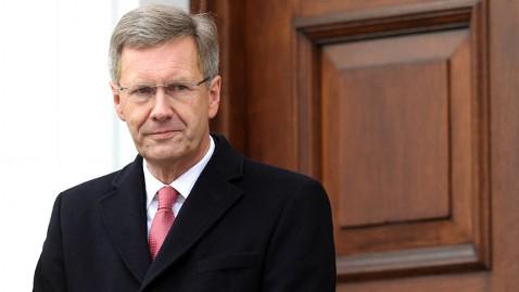 gty christian wulff nt 120106 wblog German Furor Over Presidents Secret Loan and Threatening Phone Call