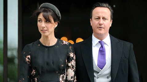 gty david cameron dm 120611 wblog Camerons Leave Daughter, 8, Alone at Pub