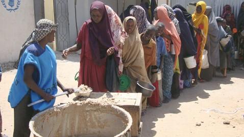 gty hunger line mogadishu horn africa thg 1202020 wblog Superman, Batman Join Fight to Save Horn of Africa