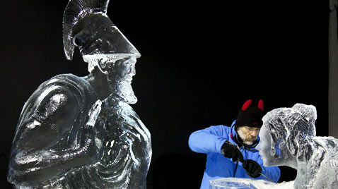 gty ice sculptures thg 111122 wblog Today in Pictures : Nov. 22, 2011